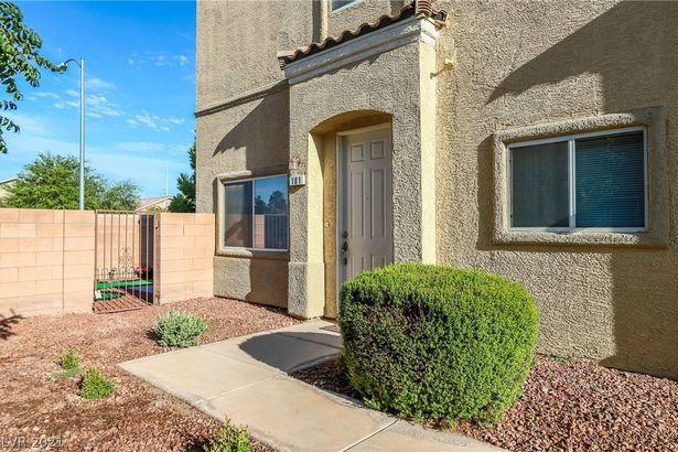 6313 Desert Leaf Street #101