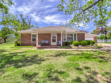 213 S Roselawn, Midwest City, OK, 73130,