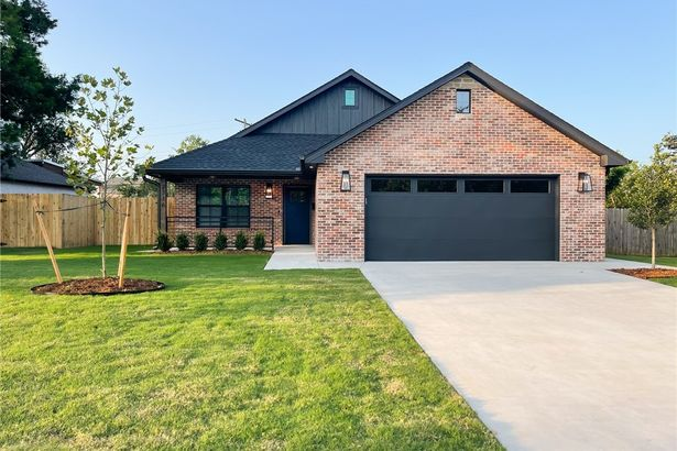 2716 NW 46th Street