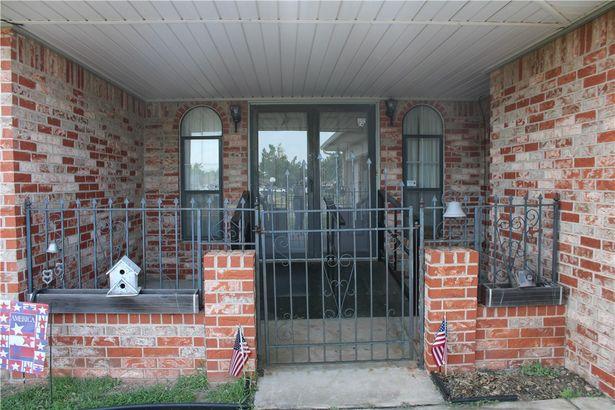 9601 S Blackwelder Avenue