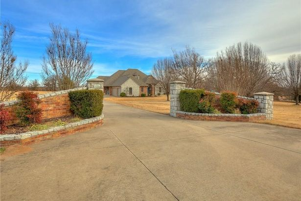4120 S Choctaw Road