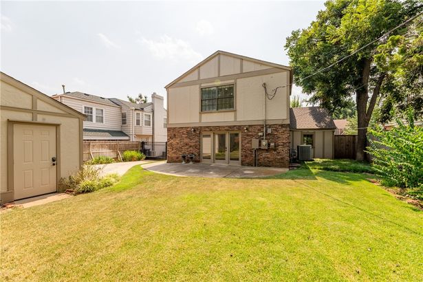 809 NW 38th Street