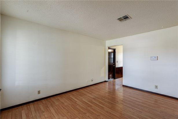 409 W Linden Drive