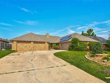 7005 Lakepointe Drive, Oklahoma City, OK, 73116,