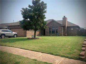 818 W Dowden Drive, Mustang, OK, 73064,