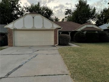 9913 S Hillcrest Drive, Oklahoma City, OK, 73159,