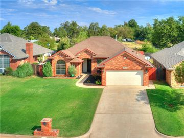 10017 Forest Lane, Midwest City, OK, 73130,