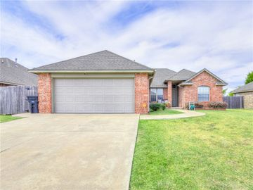 4217 Notting Hill Drive, Moore, OK, 73160,